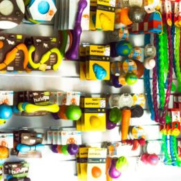Bälle und anderes Spielzeug